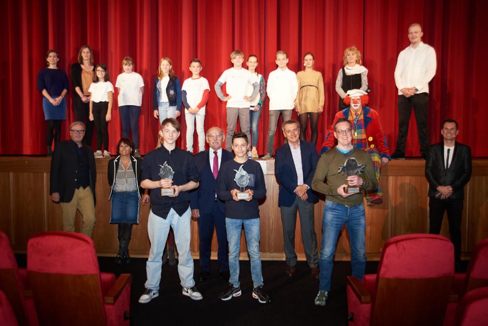 Gruppenfoto von allen Beteiligten